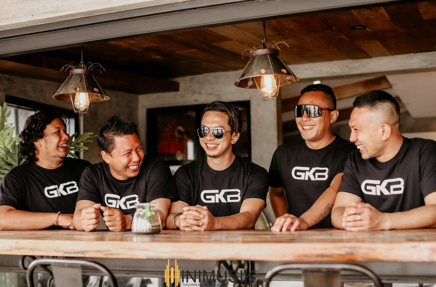 GKB Band Bicara Cinta Jarak Jauh