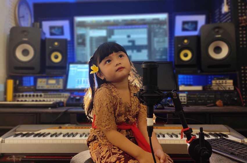 Kenalkan Tu Mas Defika, Penyanyi yang Gemar Cover 'Gending Rare'